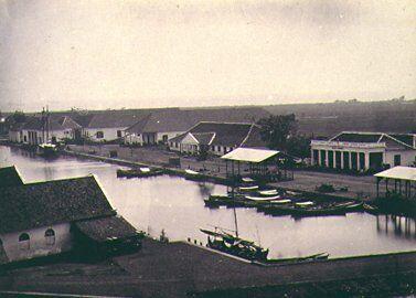 Batavia_harbour_1870_de_kleine_boom