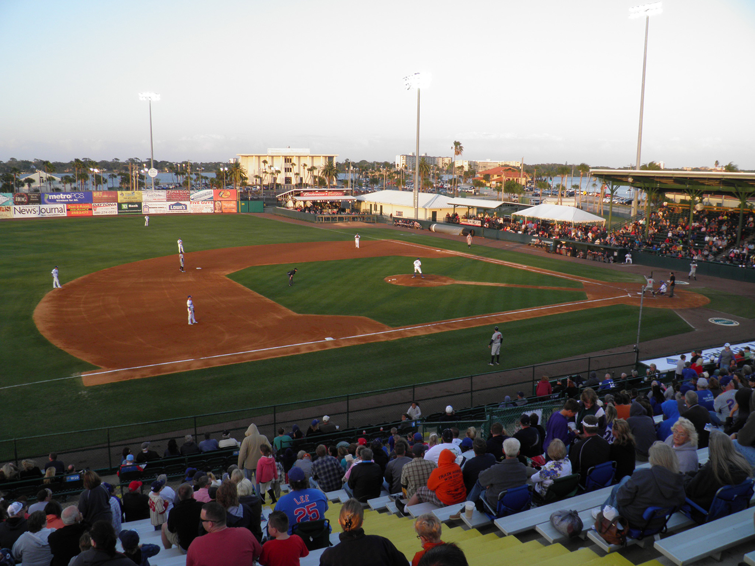 Discover The Jackie Robinson Ballpark A Lightning Lesson