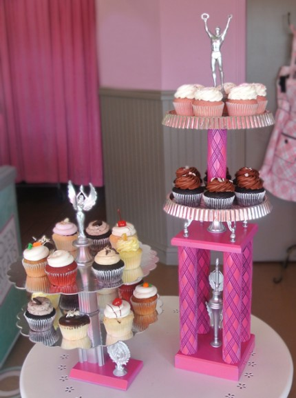 Turn a Trophy into a Cupcake Stand