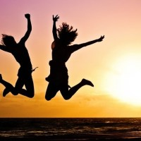 Skákací mánie jménem jumping aneb zábava na trampolíně