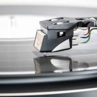 Gramofon - vynález z 19. století, která má co nabídnout i dnes