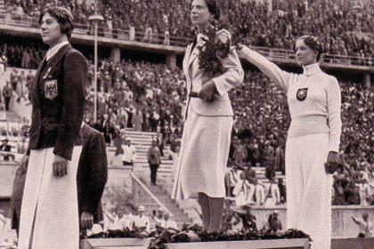 Helene Mayerová hajluje na OH 1936