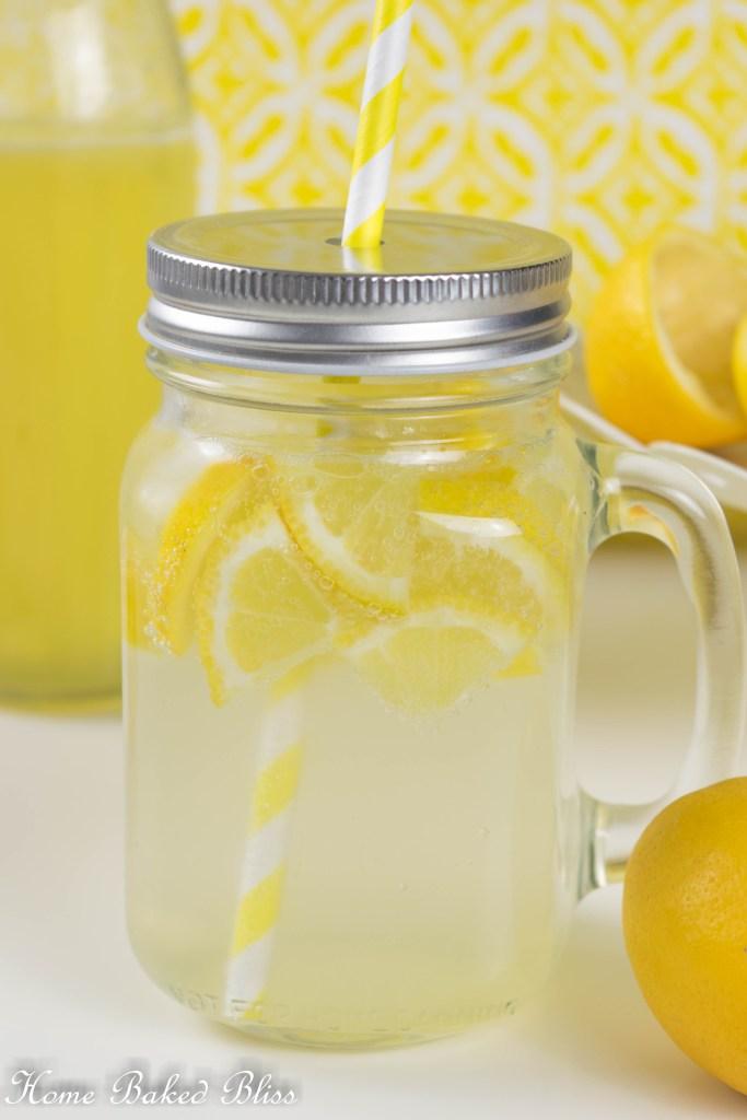 Refreshing, sweet and sour lemonade