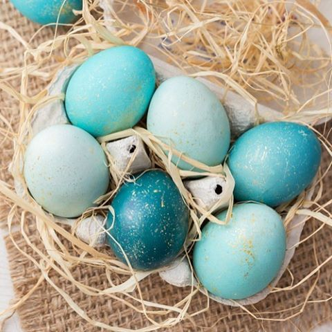 Diy Speckled Eggs wwwhomebakedblisscomdiyspeckledeggs diyeastereggs diyeaster ss Easter brunch easterbrunch