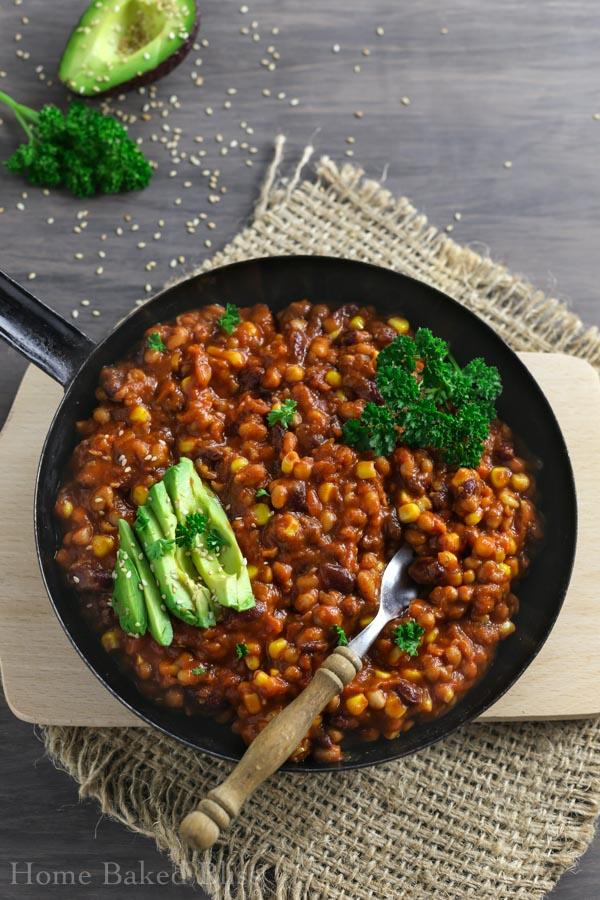 chili, chili recipe, vegan chili recipe, how to make chili, chili sin carne, chili without beef, easy chili, quick chili, big batch chili, recipes to feed a crowd, vegan recipes to feed a crowd, easy vegan dinner, easy vegan recipe, vegan main dish, vegan party dish, party dishes, party recipes