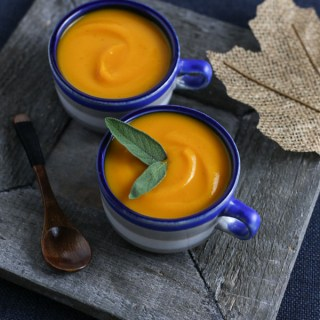 pumpkin soup, pumpkin soup recipe, how to make pumpkin soup, pumpkin recipe, soup recipe, fall soup recipe, autumn soup recipe, creamy pumpkin soup, creamy pumpkin soup recipe, healthy pumpkin soup, vegan pumpkin soup, vegan pumpkin recipe, easy pumpkin soup, easy pumpkin soup recipe