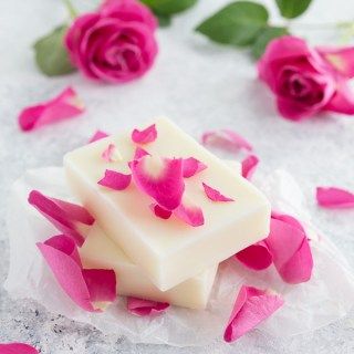 rose lotion bars, lotion bars, lotion bar recipe, diy lotion bar, diy rose lotion bars, how to make lotion bars, easy lotion bars, homemade lotion bars, how to make homemade lotion bars