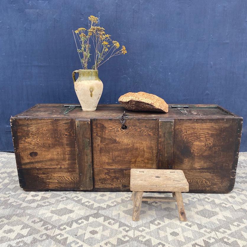 vintage rustic wooden grain trunk coffee table
