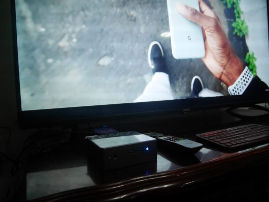BMax B2 connected to a TV