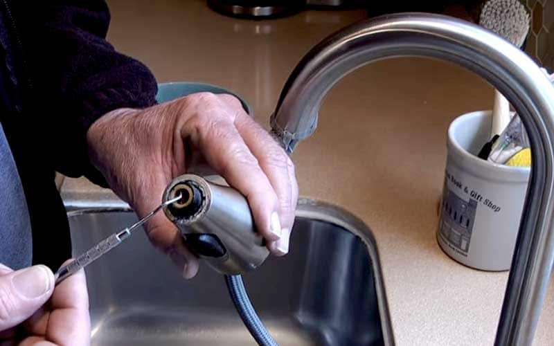 how to clean kitchen faucet the right way you should know