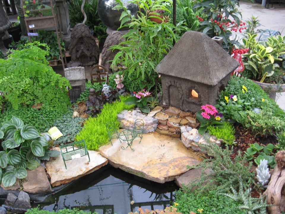 Fairy Garden Ideas: Serenity place miniature garden ideas