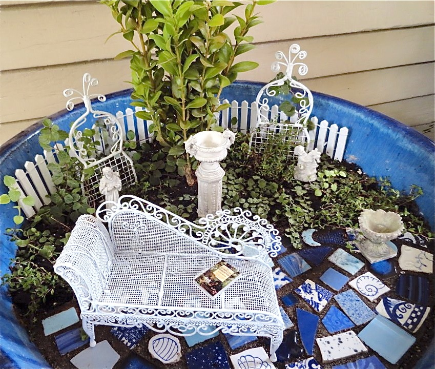 Fairy garden ideas: Old victoria miniature garden ideas
