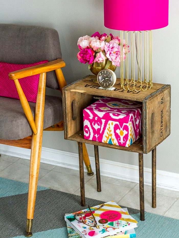 Stylish Side Table With Wood Crate