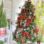 22 Best Outdoor Christmas Tree Decorations And Designs For 2021