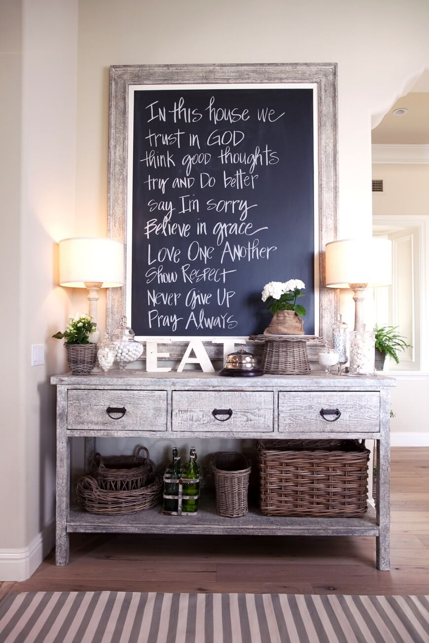 Simply Rustic Wooden Table Décor