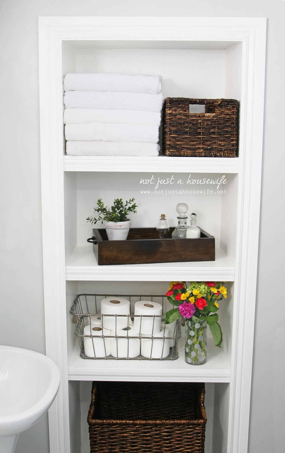 44 Best Small Bathroom Storage Ideas And Tips For 2020