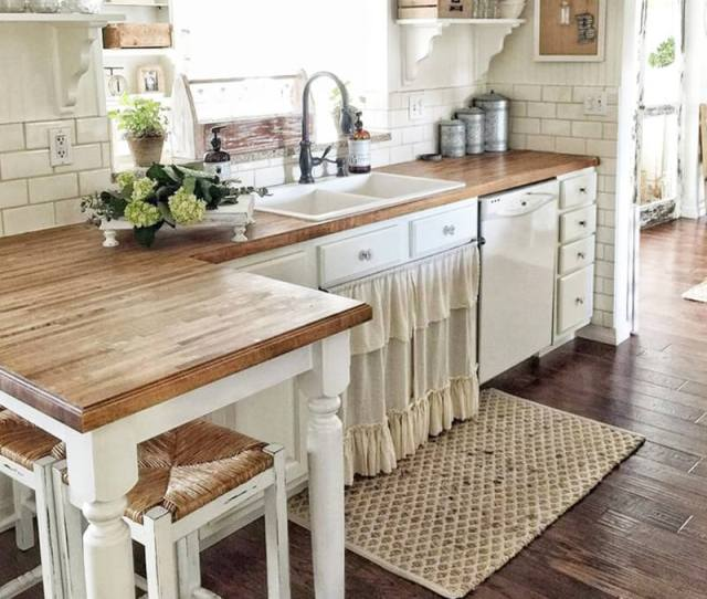 Sweet And Sophisticated Farmhouse Interiors For That Lived In Look