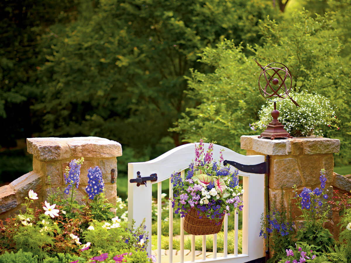 45+ Best Cottage Style Garden Ideas And Designs For 2019
