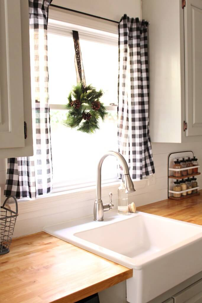 On Style Today 2020 11 15 Country Curtain Ideas In White Kitchen Here