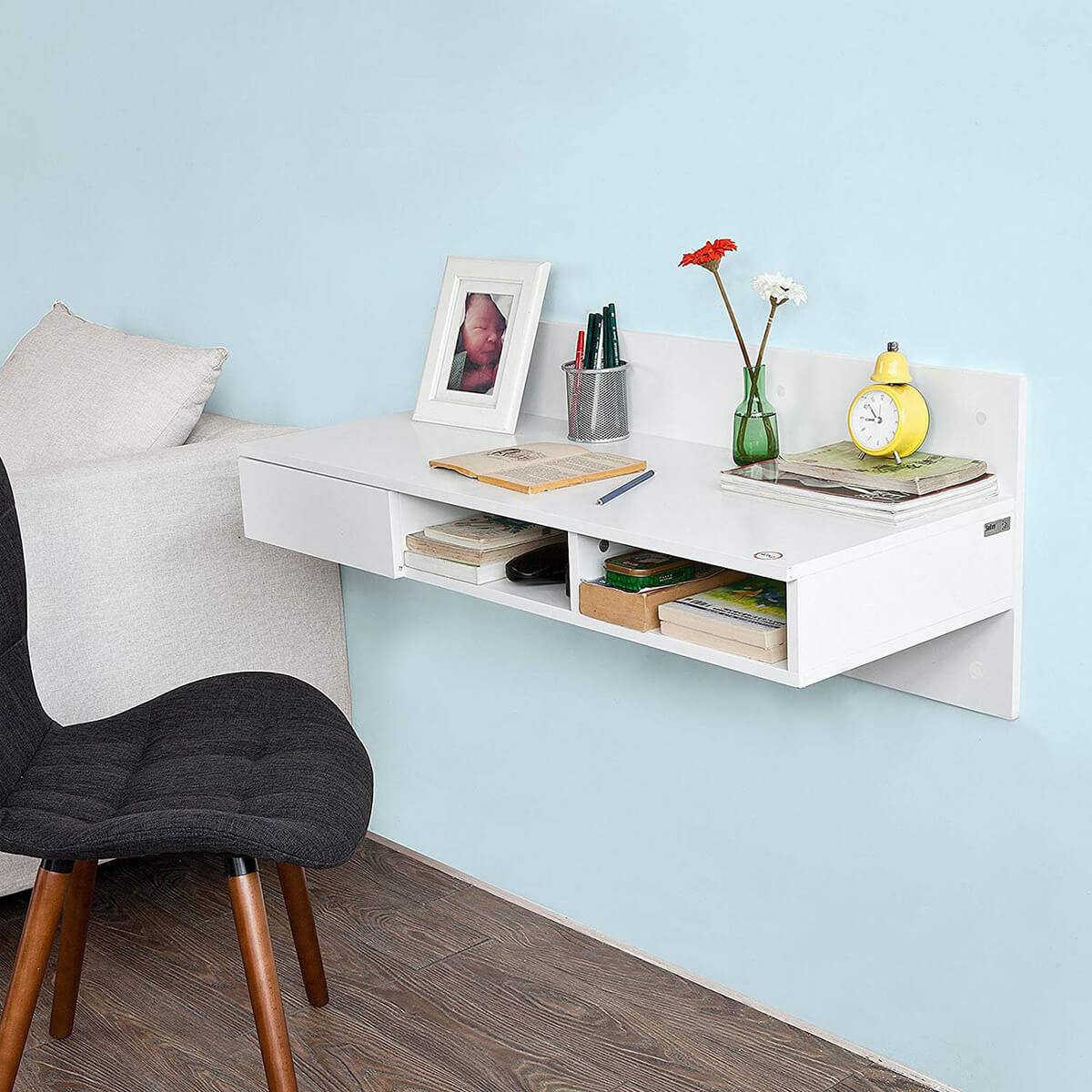 Solid Wall Home Office Desk Idea