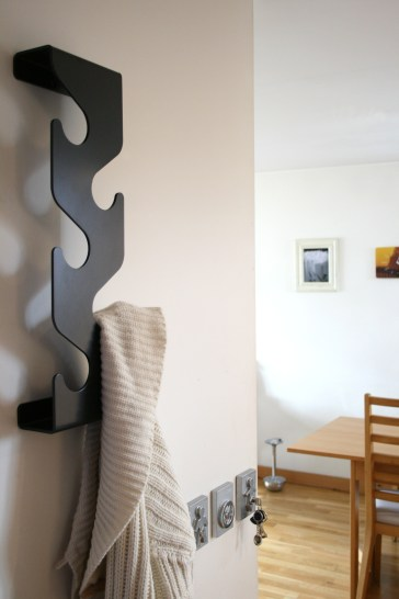coat_rack_black_insitu