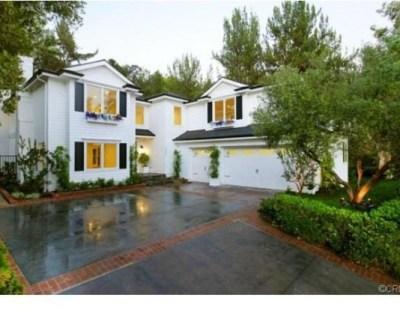 Judd-Apatows-home-driveway-2-d1b476-589x414