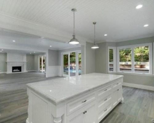 Judd-Apatows-home-kitchen-3-0fffba-589x392