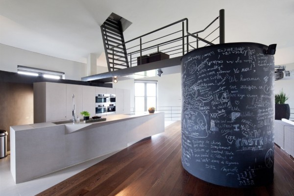 water_tower_converted_to_house_02