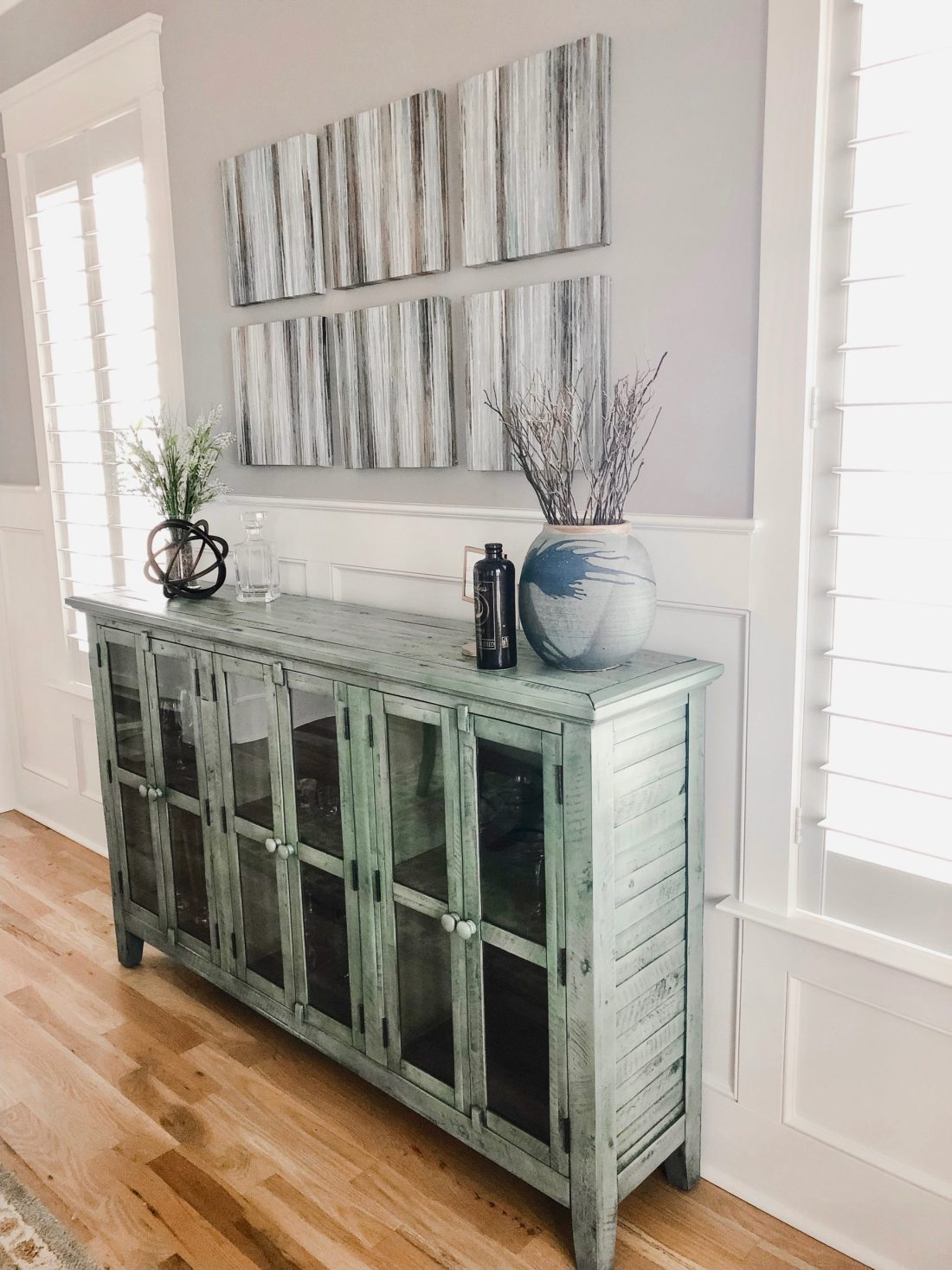 To Decorate A Dining Room Buffet Table, Dining Room Table And Hutch Ideas