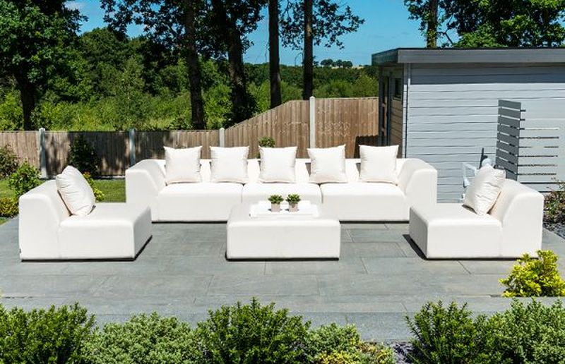 relaxing-space-in-your-garden