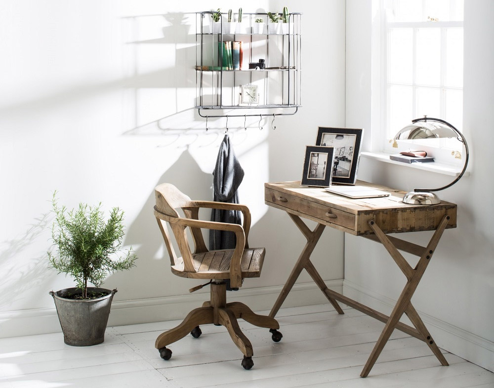 ways to decorate office.  Ways Youu0027re Probably Just Finishing Up Some Remaining Work Or Doing Final  Touches How About A Small Wooden Table And Chair Enough To Do Light  With Ways To Decorate Office