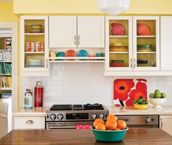bright_yellow_kitchen_my08_0
