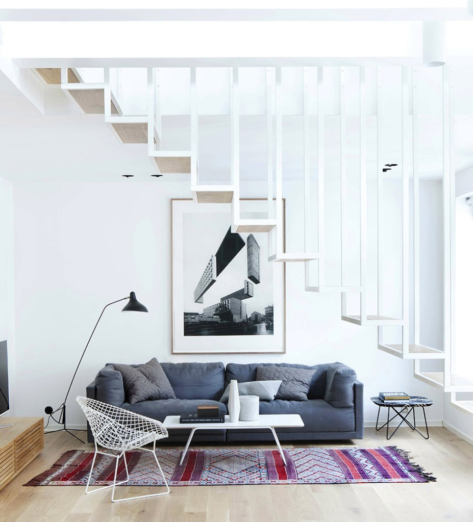 12 hanging stairs