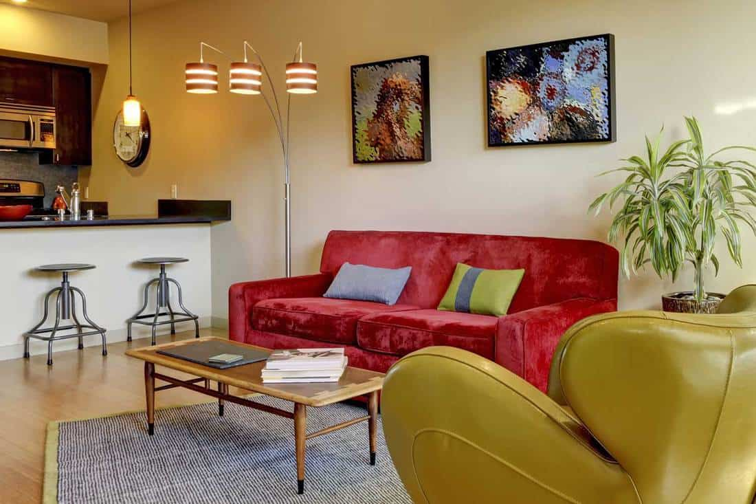 What Goes With A Red Couch 14 Ideas With Pics Home Decor Bliss