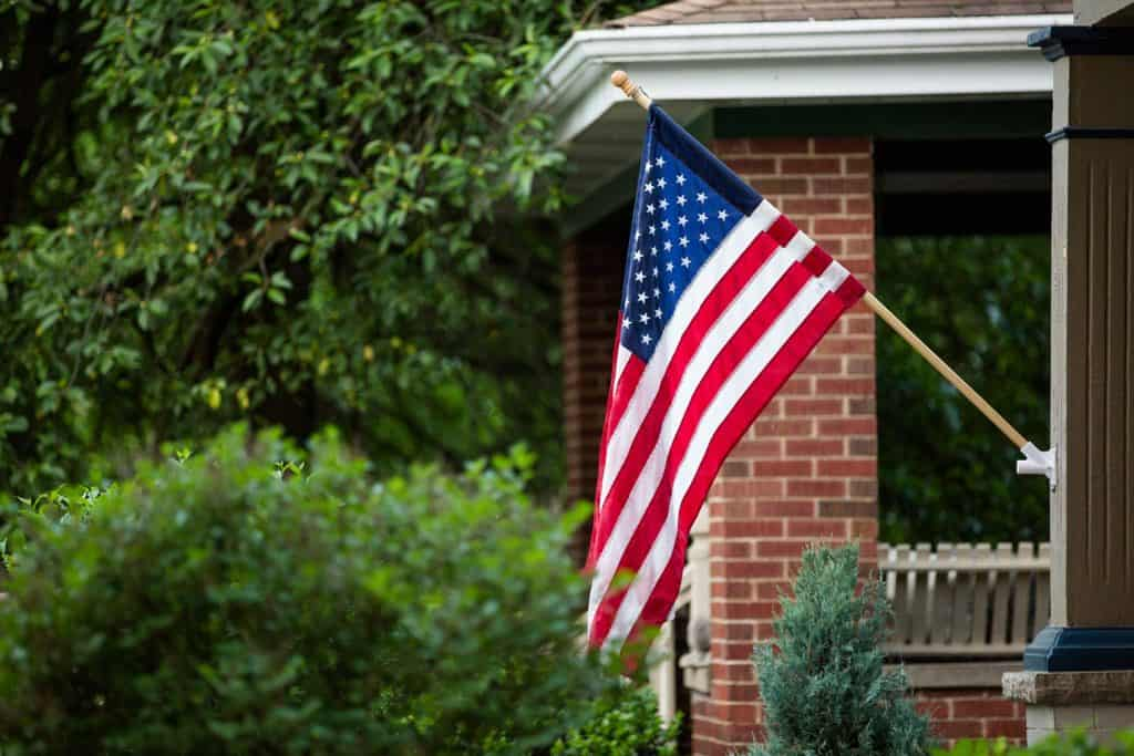 porch to hang american flag