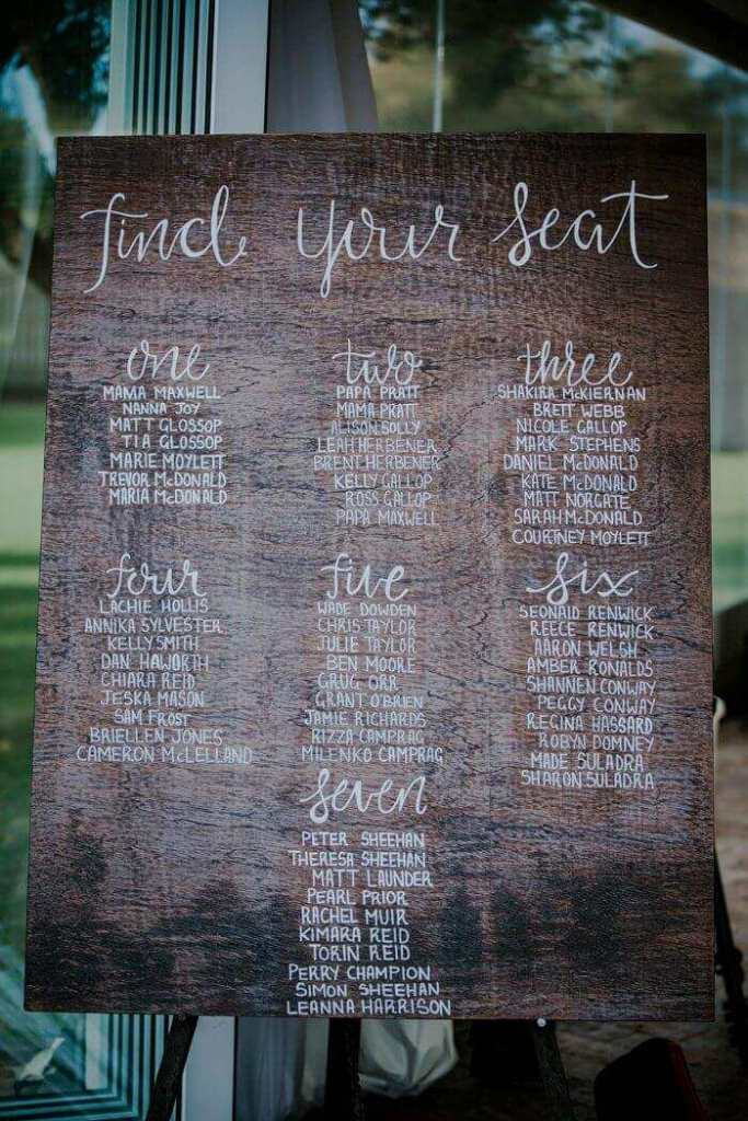 seating chart at wedding ideas yarn and clothespin
