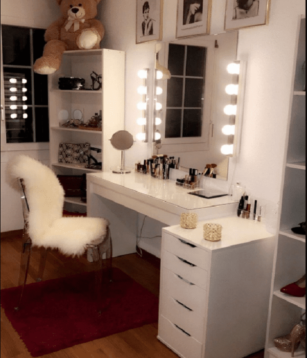 makeup bedroom