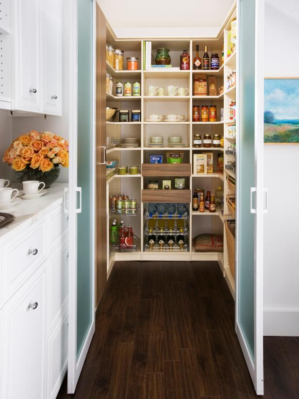corner pantry ideas