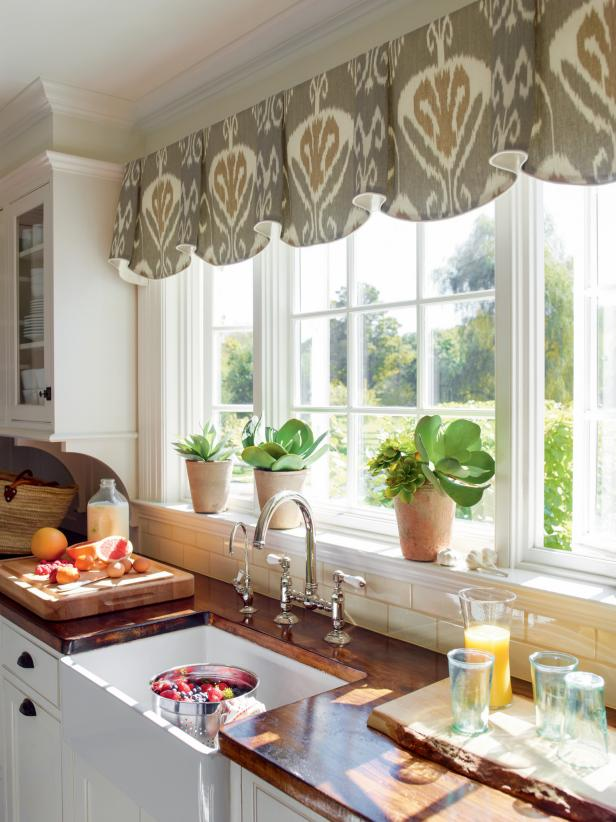 kitchen bay windows