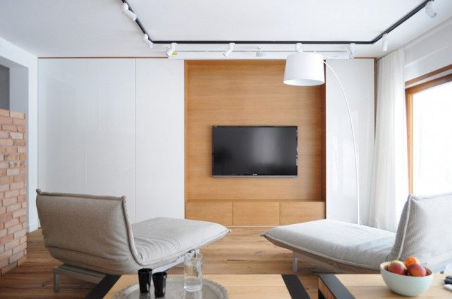 tv on wall idea