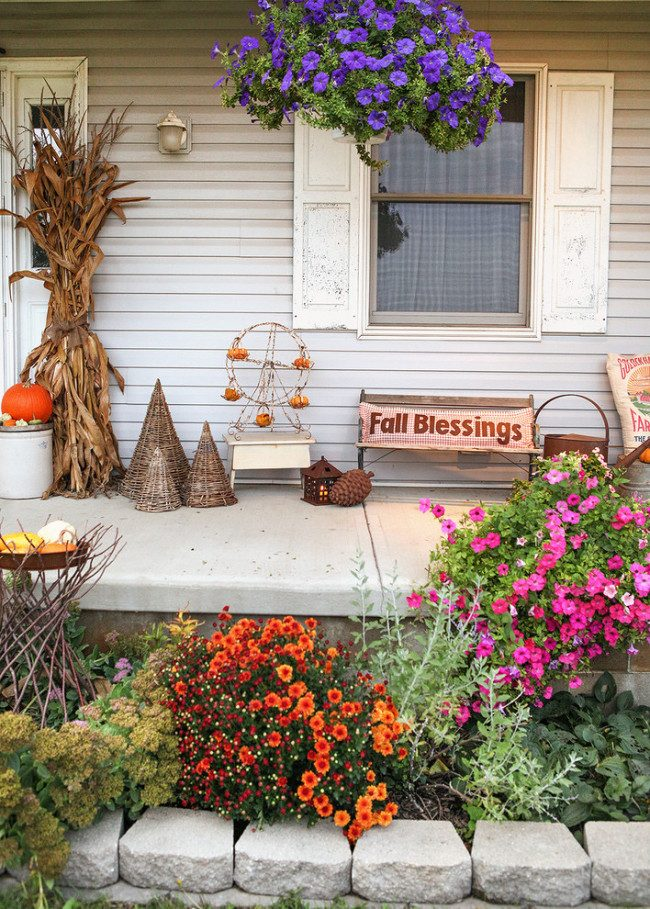 fall porch decor with mums