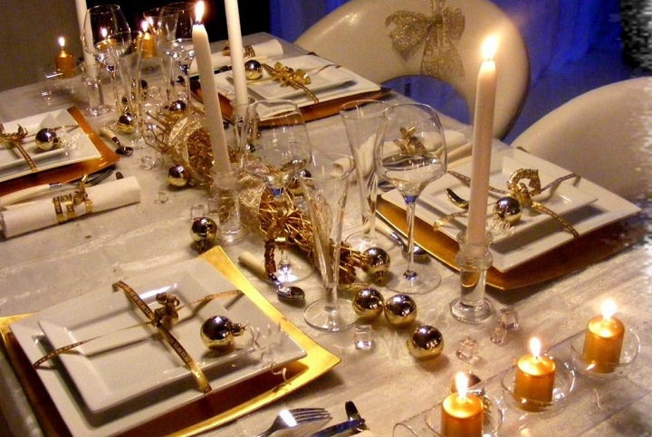 How To Do Decorating Ideas For Christmas Tables Home