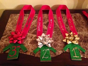 Easy DIY Office Christmas Decoration Ideas 12