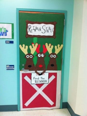 Easy DIY Office Christmas Decoration Ideas 30