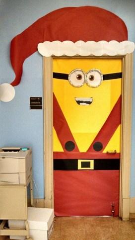 Easy DIY Office Christmas Decoration Ideas 31