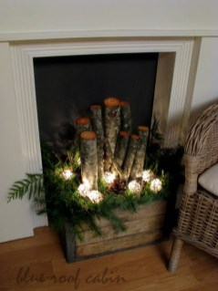 Inspiring Rustic Christmas Fireplace Ideas To Makes Your Home Warmer 02