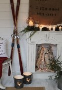Inspiring Rustic Christmas Fireplace Ideas To Makes Your Home Warmer 17
