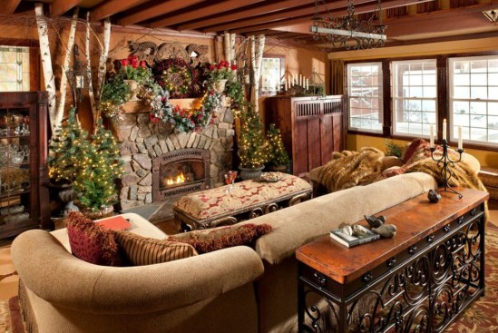 Inspiring Rustic Christmas Fireplace Ideas To Makes Your Home Warmer 29