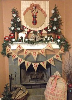 Inspiring Rustic Christmas Fireplace Ideas To Makes Your Home Warmer 46