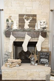 Inspiring Rustic Christmas Fireplace Ideas To Makes Your Home Warmer 63